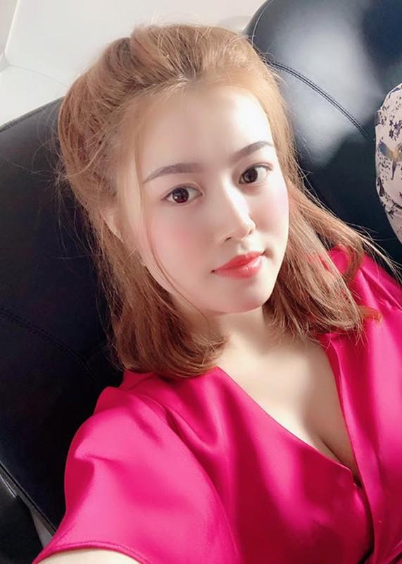 Nhan sac vo xinh dep kem 12 tuoi cua Lam Chan Huy-Hinh-9