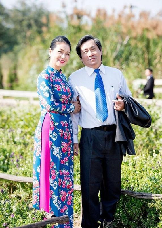 "Soi hon nhan cua NS Thu Que, Minh Phuong ""Tinh yeu va tham vong""-Hinh-2"