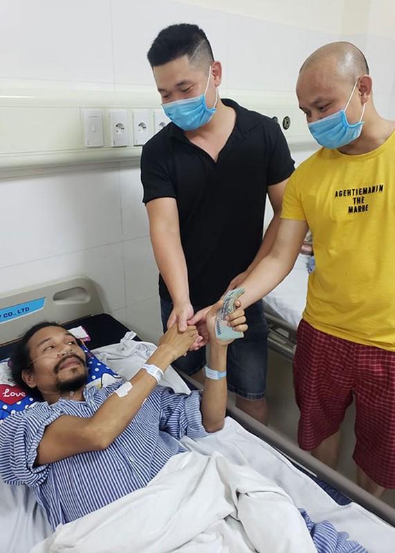 Cuoc doi trac tro cua ca si Ho Pham bi ban trong thuong
