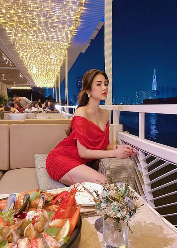 Ve nong bong sau 2 lan sinh no cua Diep Lam Anh-Hinh-13