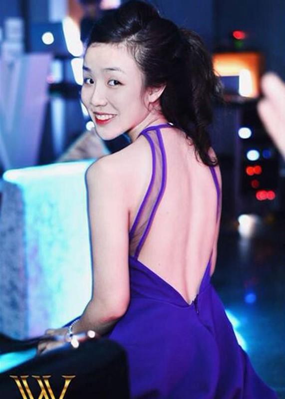 Vo cu Hoai Lam mat xinh, voc dang goi cam du da 2 con-Hinh-14