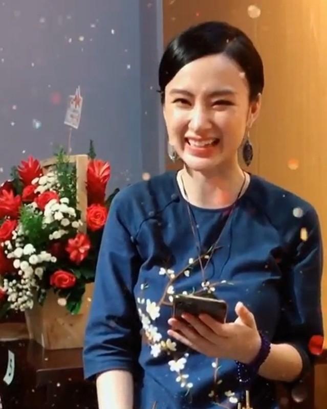 Angela Phuong Trinh bat ngo lam phuc vu quan an-Hinh-2