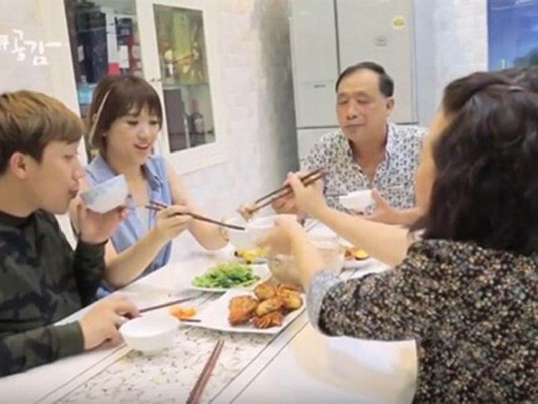 Cuoc song lam vo, lam dau gay bat ngo cua Hari Won-Hinh-5