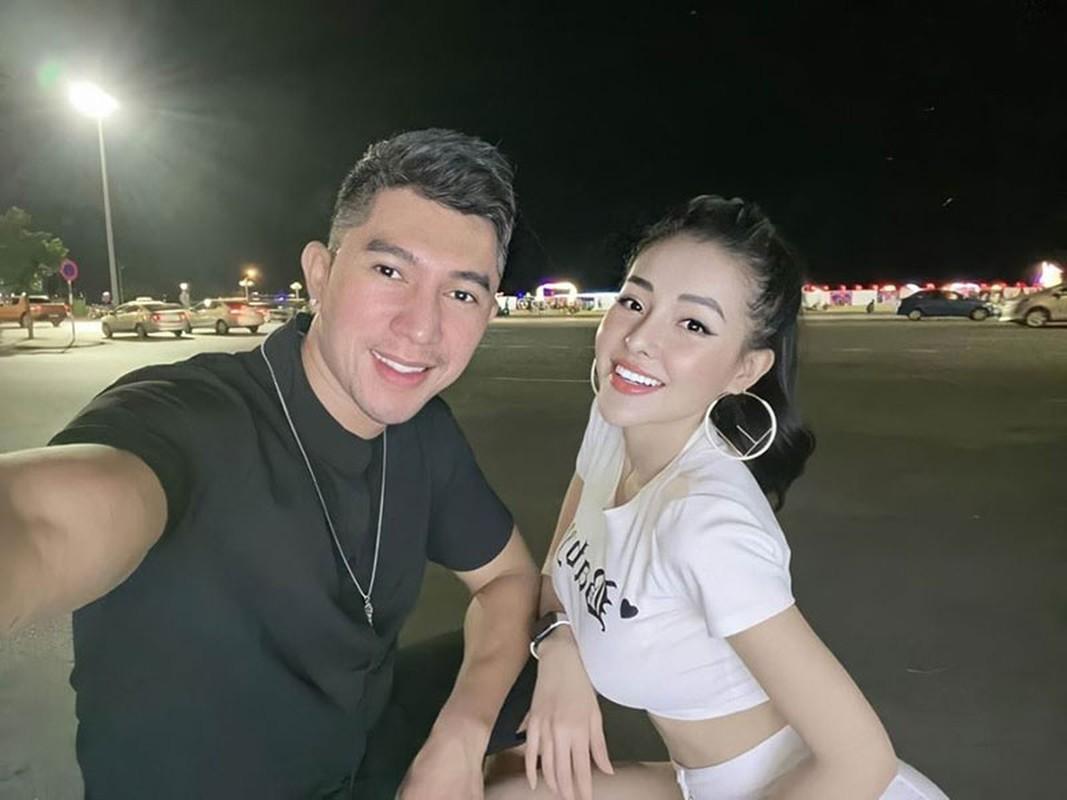 Chan dung nguoi luon benh vuc hot girl thi phi Ngan 98