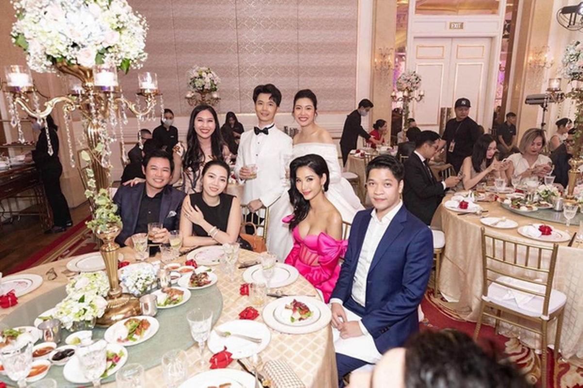 Hoang Thuy mac lo di dam cuoi, co dau Thuy Van len tieng