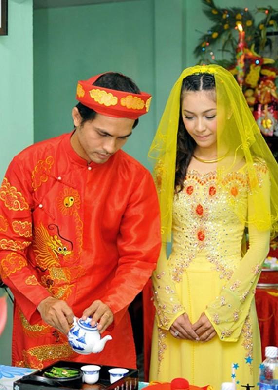 To am hanh phuc cua sieu mau Duc Tien ben Hoa hau Binh Phuong