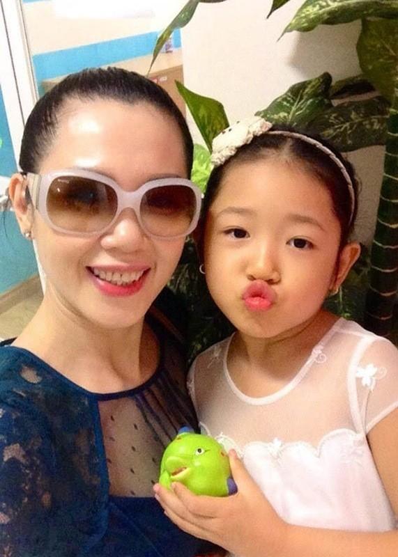 Loat sao Viet roi showbiz lam phi cong, tiep vien hang khong-Hinh-3