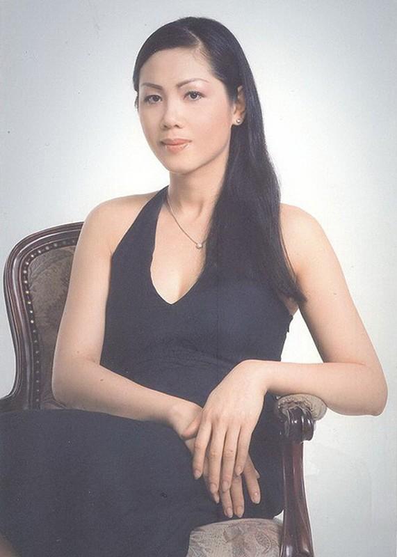 Loat sao Viet roi showbiz lam phi cong, tiep vien hang khong