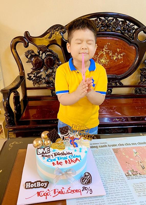 Mung sinh nhat con trai, Nhat Kim Anh to chong cu giam sat chat-Hinh-13