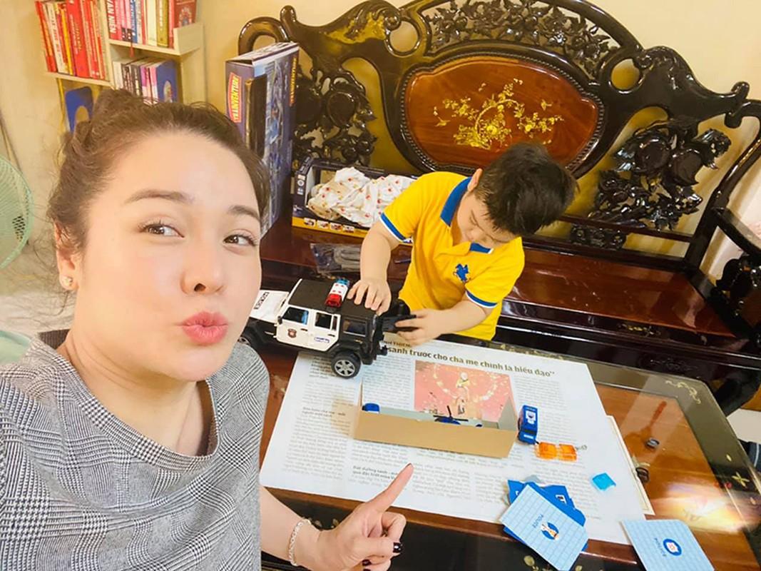 Mung sinh nhat con trai, Nhat Kim Anh to chong cu giam sat chat-Hinh-14