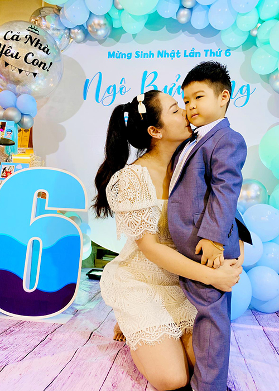Mung sinh nhat con trai, Nhat Kim Anh to chong cu giam sat chat-Hinh-2