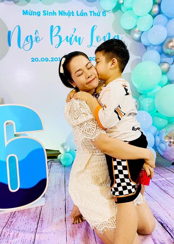 Mung sinh nhat con trai, Nhat Kim Anh to chong cu giam sat chat-Hinh-6