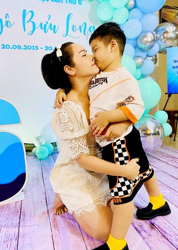 Mung sinh nhat con trai, Nhat Kim Anh to chong cu giam sat chat-Hinh-7