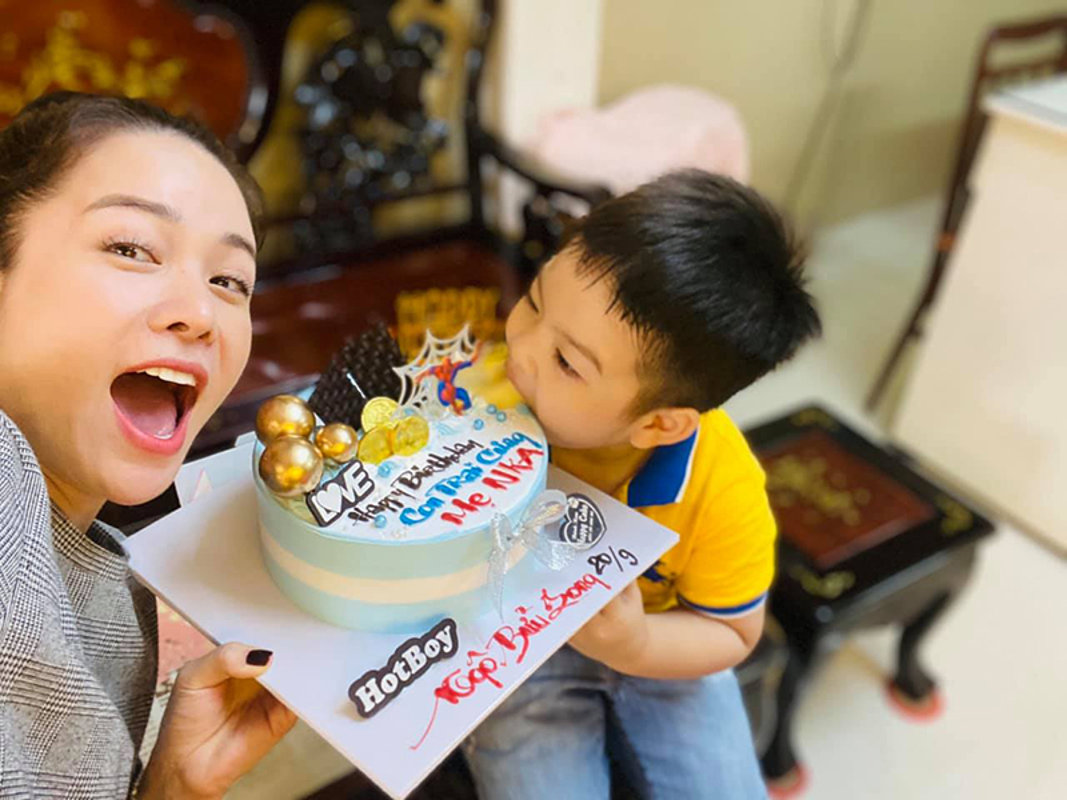 Mung sinh nhat con trai, Nhat Kim Anh to chong cu giam sat chat-Hinh-8