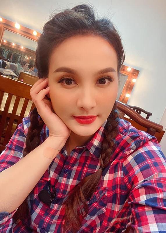 Bao Thanh khoe mang bau lan 2 sau khi tam nghi dong phim-Hinh-11