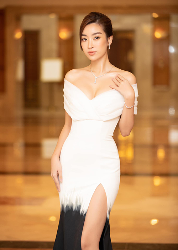 Hoa hau Do My Linh mac loi trang phuc kem duyen phat nguong-Hinh-11