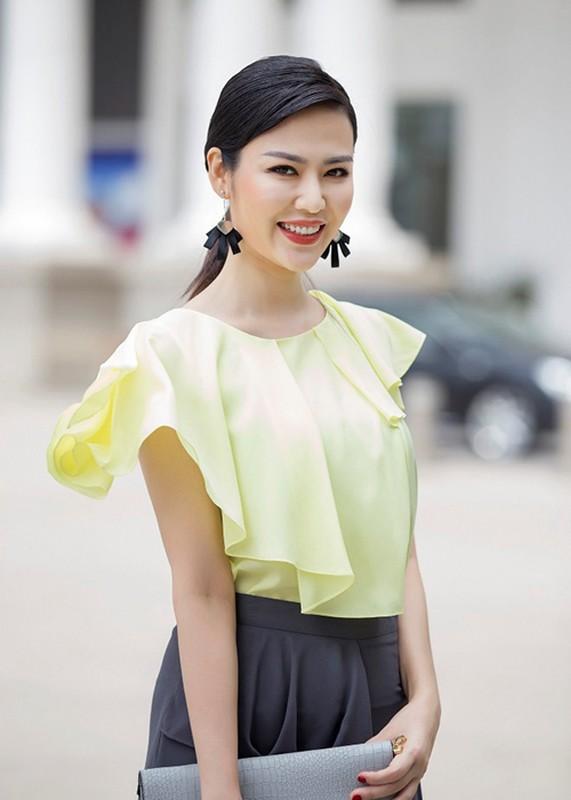 "Hoa hau, a hau Viet Nam gay bao vi phat ngon ""soc tan oc""-Hinh-3"