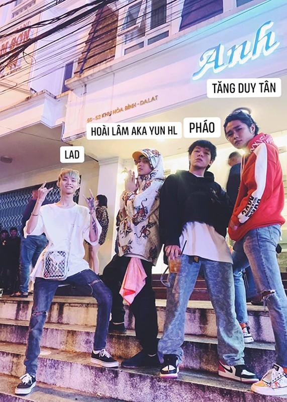 Chan dung 2 thanh vien ban nhac Deep Troi cua Hoai Lam 