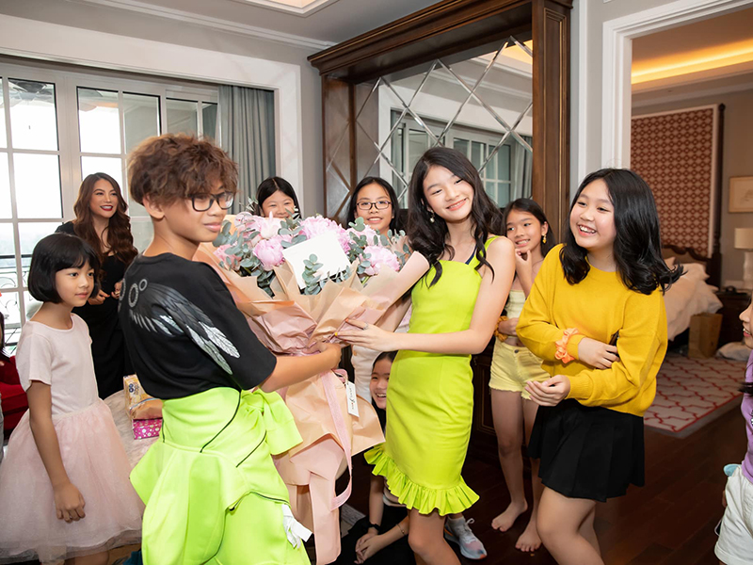 Sinh nhat hoanh trang cua con gai Tran Bao Son - Truong Ngoc Anh-Hinh-10