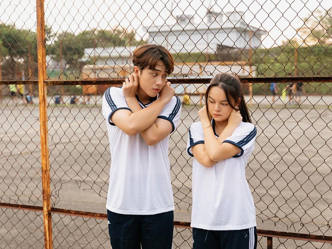 Soi hot boy 10X dong cap voi Pham Quynh Anh trong MV moi-Hinh-6