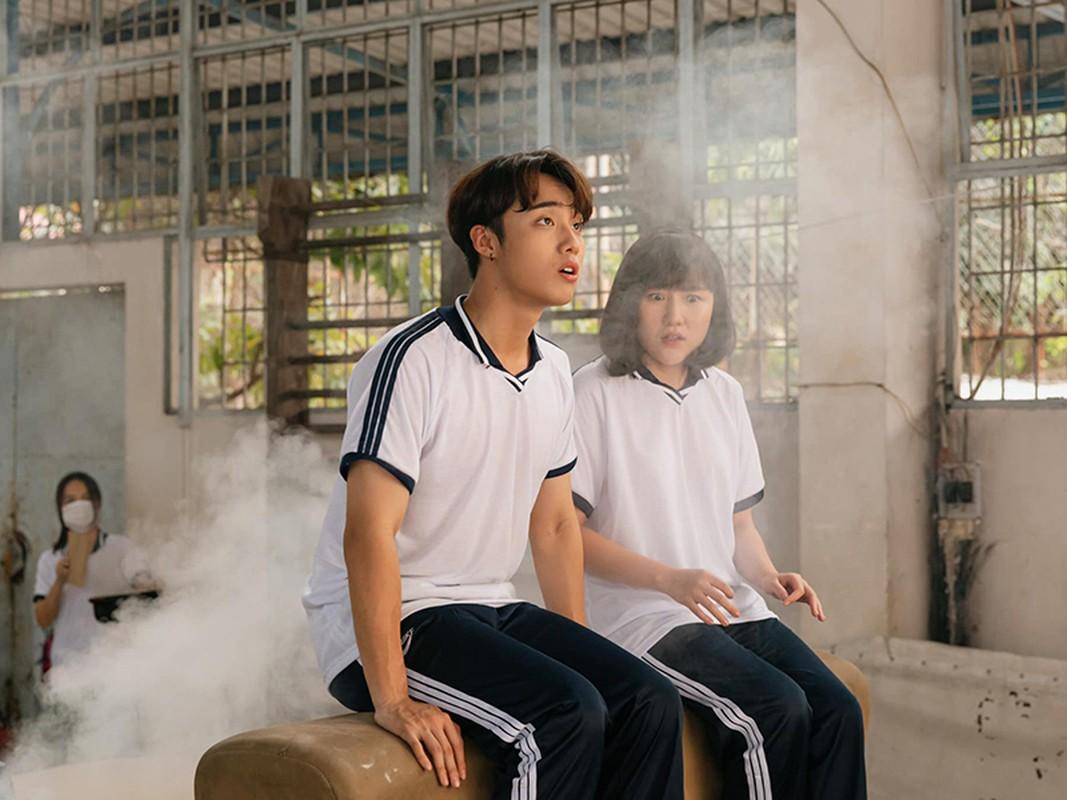 Soi hot boy 10X dong cap voi Pham Quynh Anh trong MV moi-Hinh-7