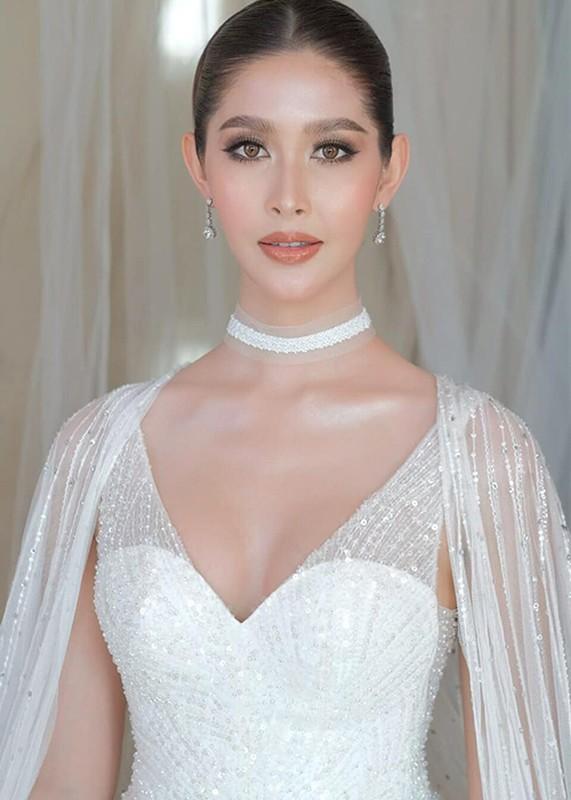 Soi body goi cam cua tan Hoa hau chuyen gioi Thai Lan-Hinh-12