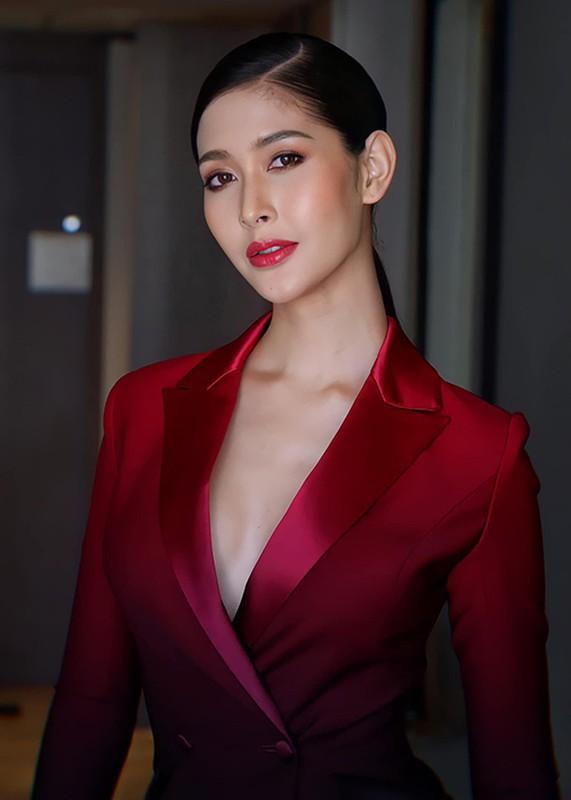 Soi body goi cam cua tan Hoa hau chuyen gioi Thai Lan-Hinh-14