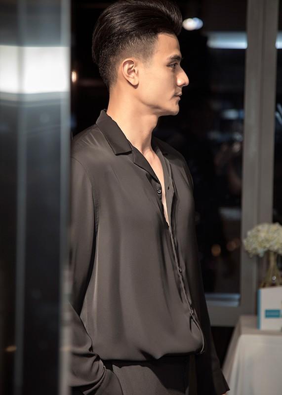 Vinh Thuy khoe than thai chat lu, lien tuc du su kien-Hinh-3