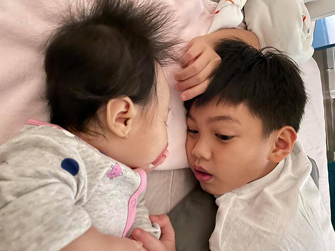 Dam Thu Trang don sinh nhat ben chong va hai con-Hinh-12