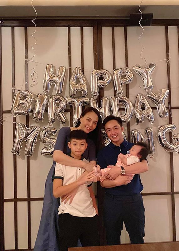 Dam Thu Trang don sinh nhat ben chong va hai con-Hinh-2
