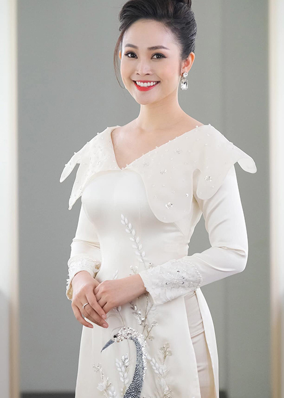 Nhan sac MC Thuy Linh VTV sap lay chong kem 5 tuoi-Hinh-14