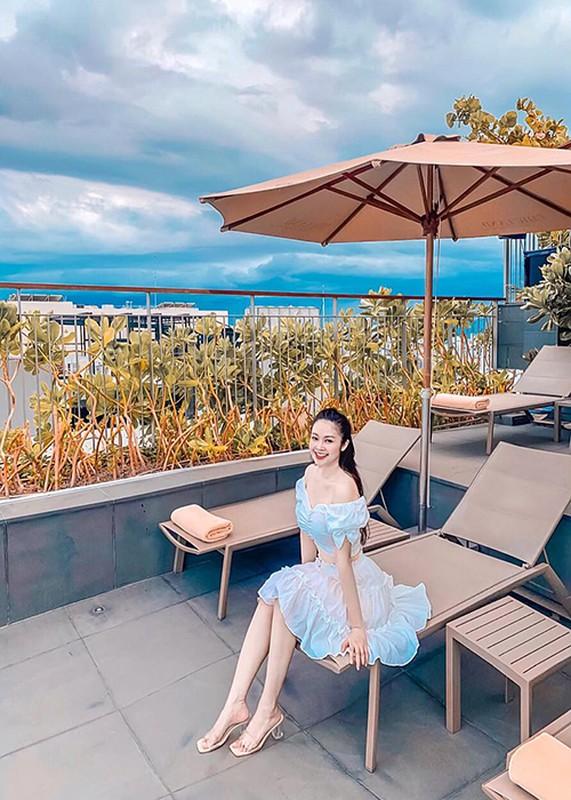 Nhan sac MC Thuy Linh VTV sap lay chong kem 5 tuoi-Hinh-7