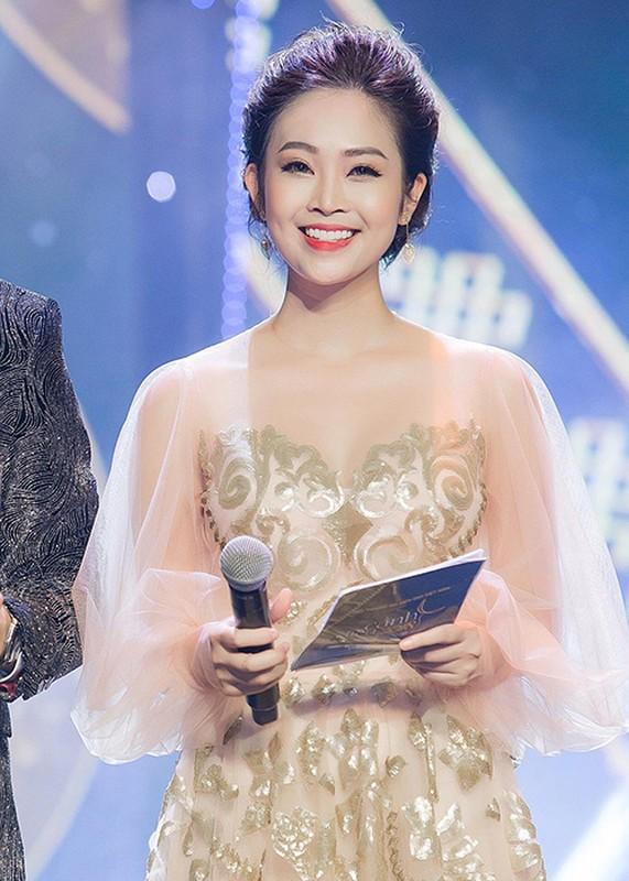 Nhan sac MC Thuy Linh VTV sap lay chong kem 5 tuoi