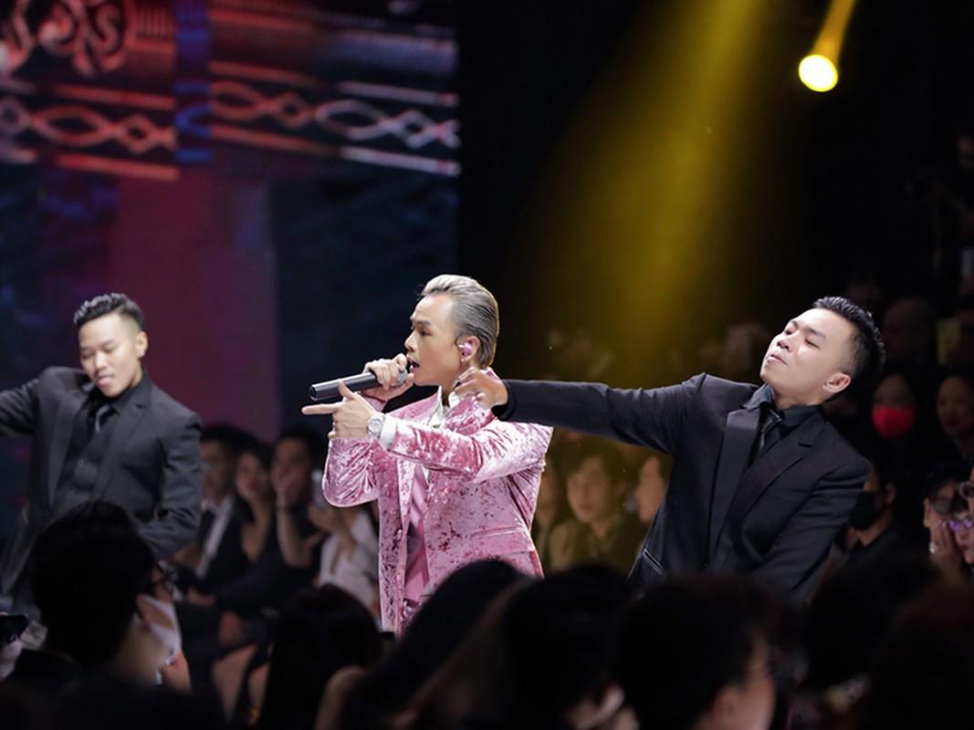 Binz hon gio, nam tay nguoi tinh tin don Chau Bui-Hinh-5