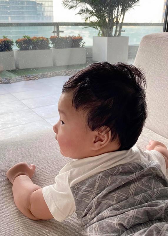 Dang Thu Thao khoe con trai 6 thang tuoi dang yeu vo doi-Hinh-6