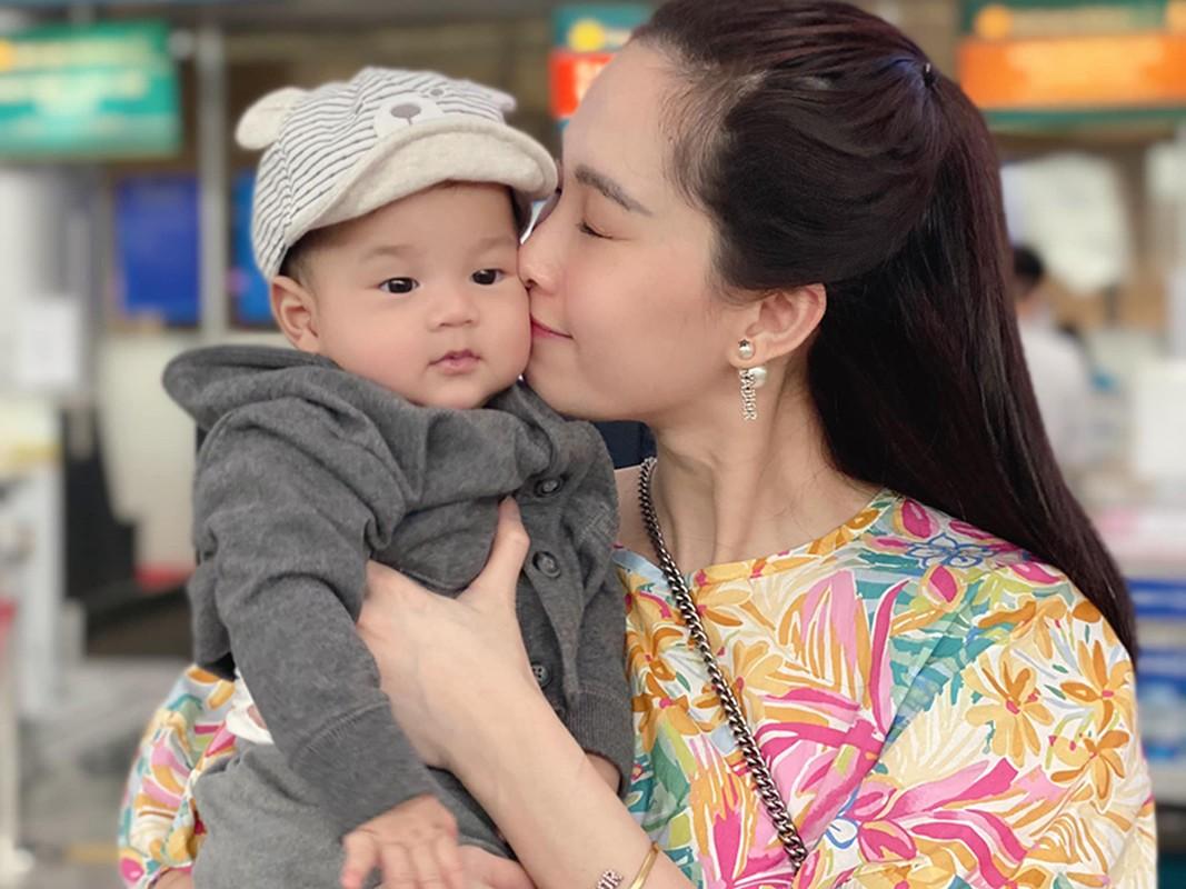 Dang Thu Thao khoe con trai 6 thang tuoi dang yeu vo doi-Hinh-7