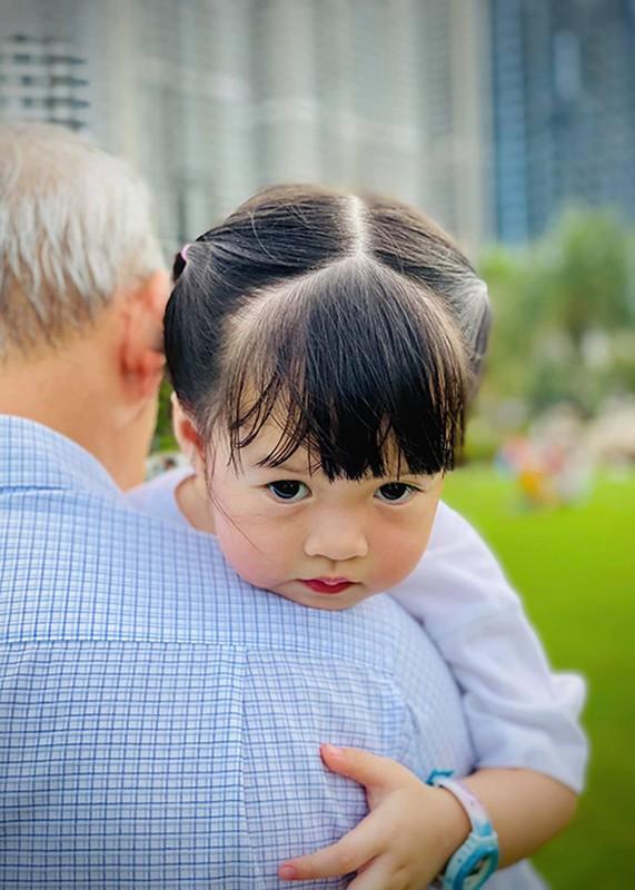 Dang Thu Thao khoe con trai 6 thang tuoi dang yeu vo doi-Hinh-9