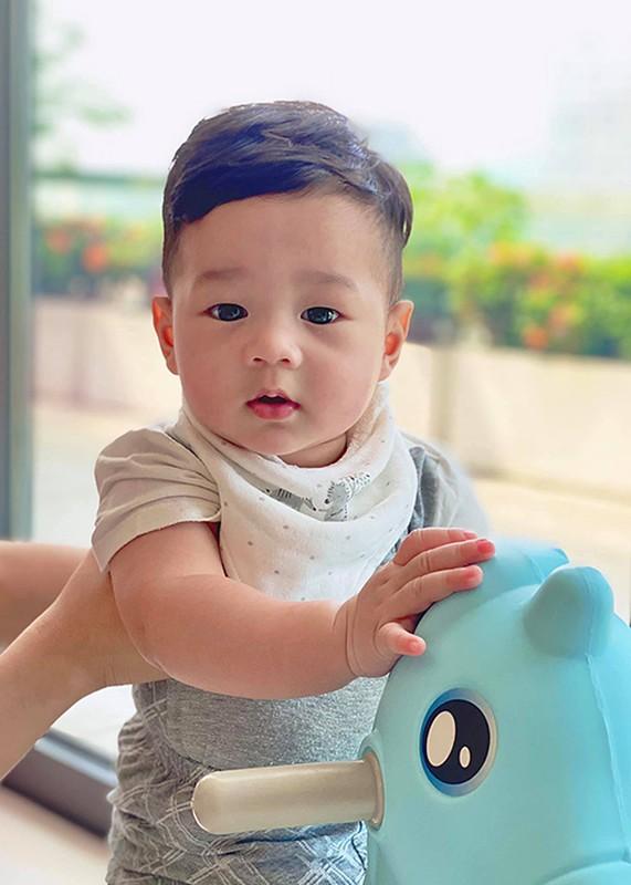 Dang Thu Thao khoe con trai 6 thang tuoi dang yeu vo doi