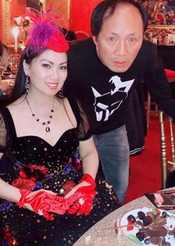 Hon nhan kin tieng cua em gai Cam Ly ben chong ty phu-Hinh-3