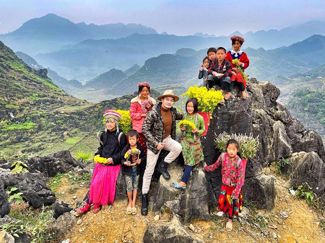 Sao Viet don Tet duong lich 2021: Lam Bao Chau vui ve ben Le Quyen-Hinh-2