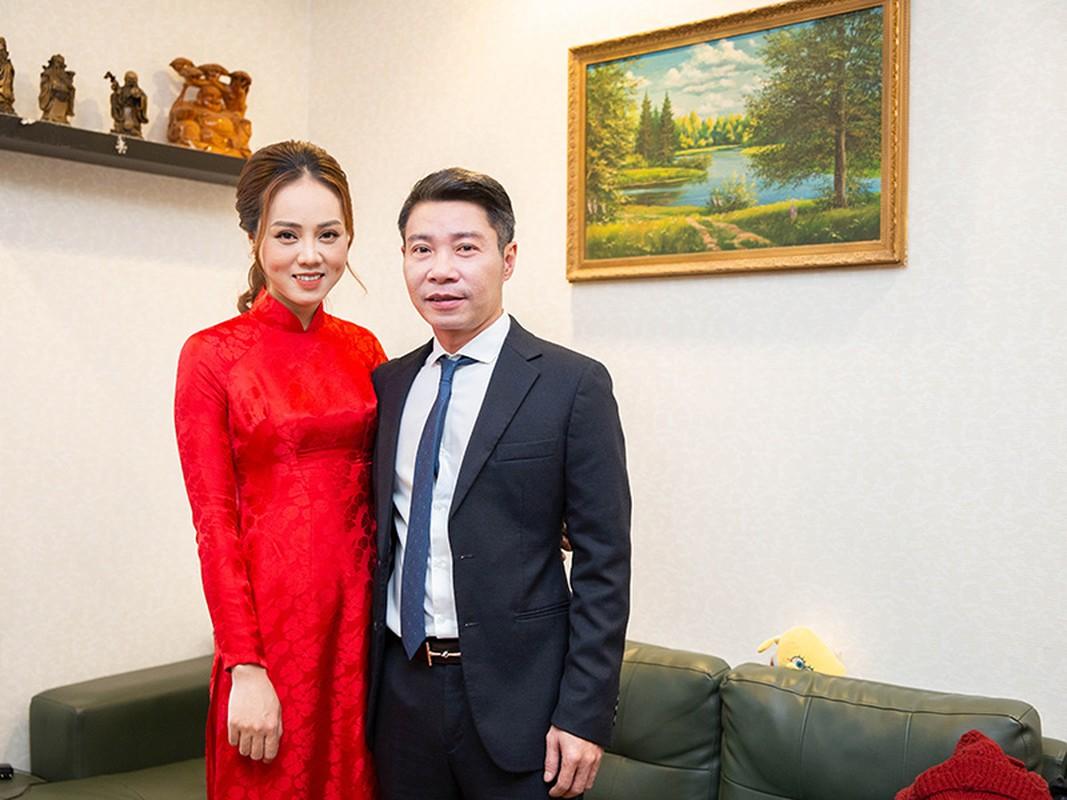 Nghe si Cong Ly tuoi roi ben vo kem 15 tuoi trong dam hoi-Hinh-2