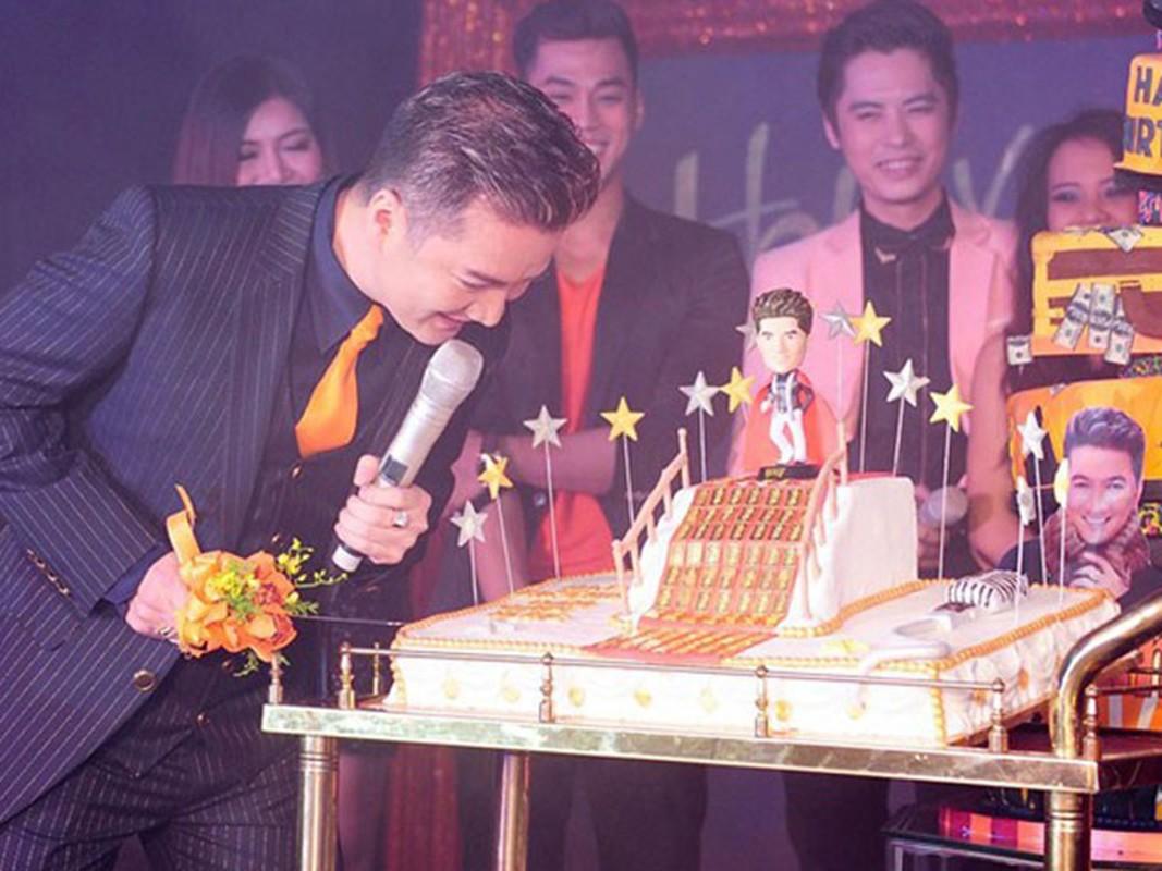Dam Vinh Hung duoc dai gia tang 2,5 ty... con qua gi soc hon?-Hinh-4