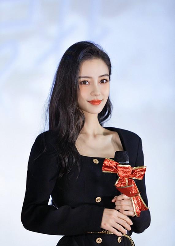 Do sac Angelababy va tinh cu Huynh Hieu Minh giua on ao tieu tam-Hinh-8