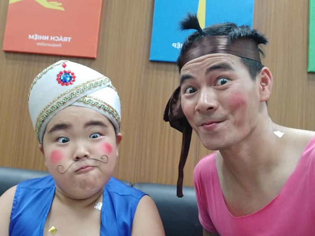 Dan nhoc ti nha Cong Ly, Tu Long, Xuan Bac hot khong kem bo-Hinh-4