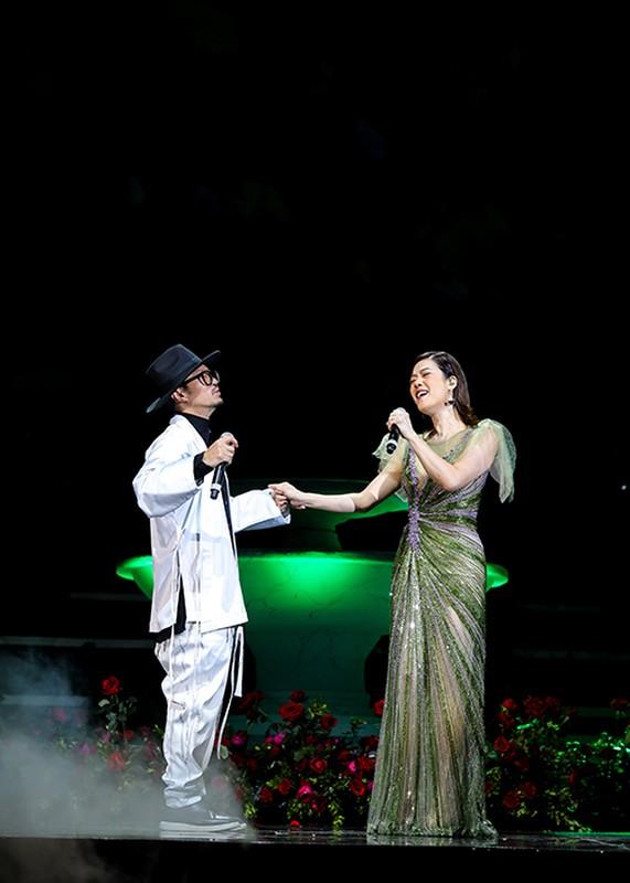 My Tam bieu dien cuc sung trong dem nhac tai Ha Noi-Hinh-9