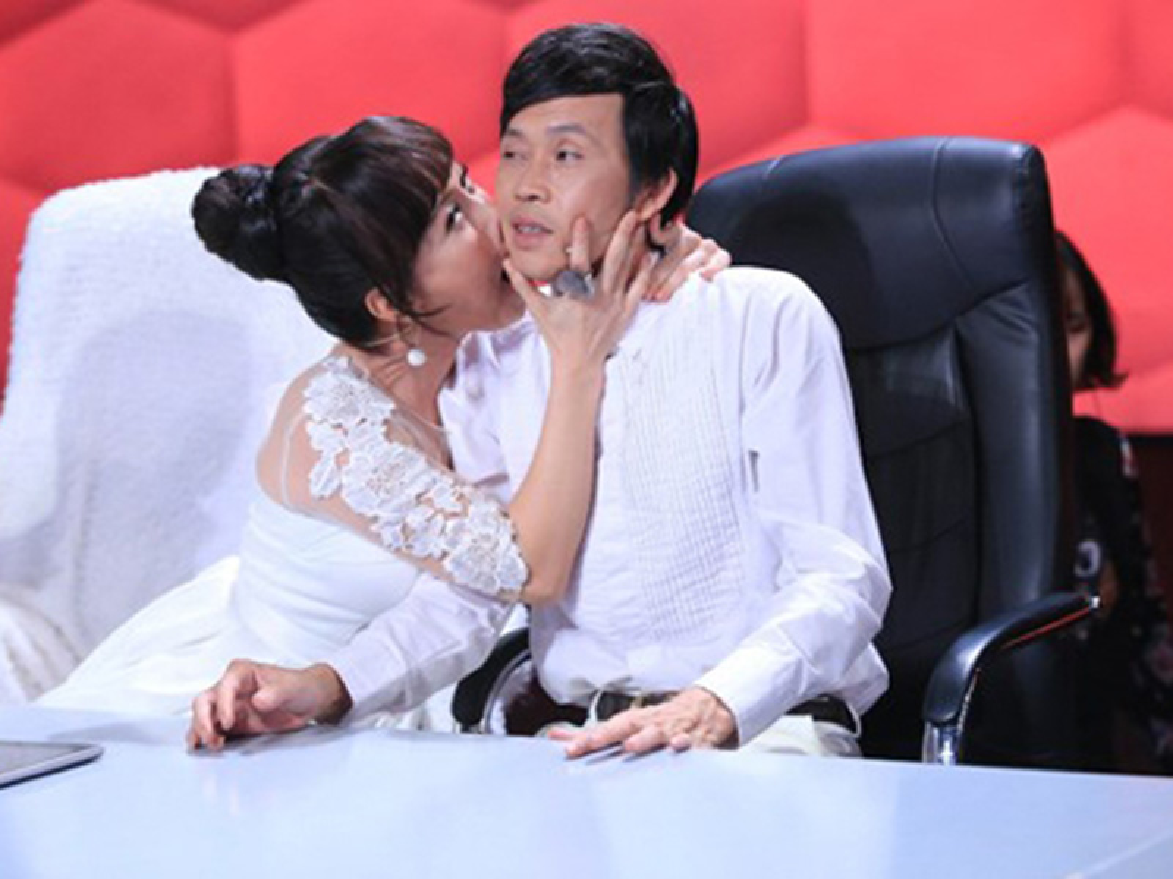 Moi quan he ky la cua Hoai Linh va Viet Huong-Hinh-9