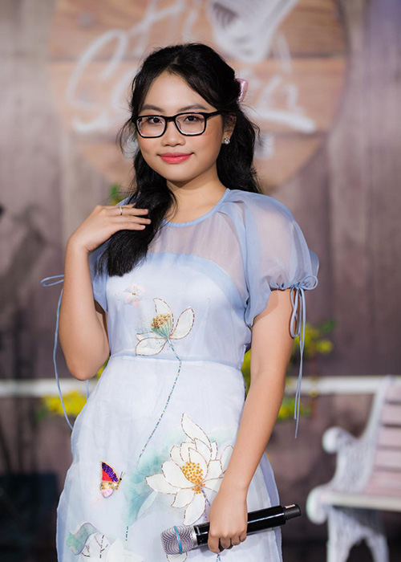Cuoc song van nguoi mo cua Phuong My Chi o tuoi 18-Hinh-2