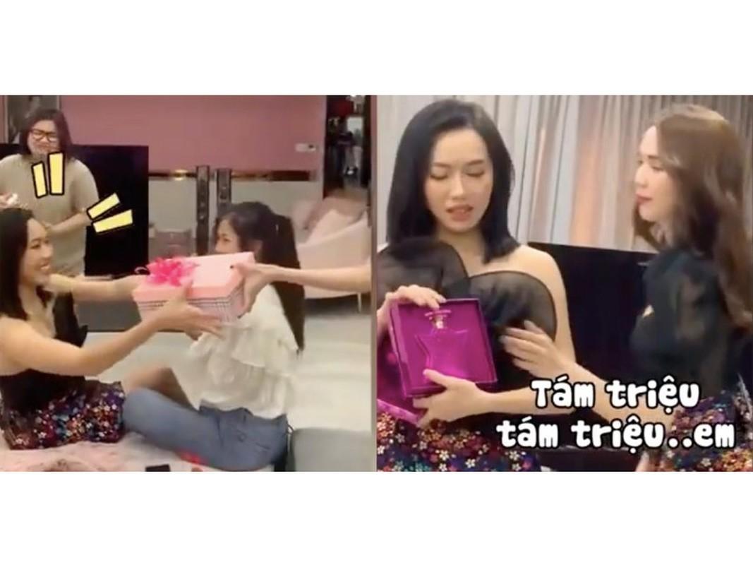 Ngoc Trinh chiu chi the nao... vung 400 trieu sam qua Tet?-Hinh-11