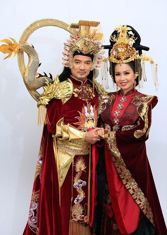 Loat trang phuc an tuong cua Dam Vinh Hung dong Ngoc Hoang-Hinh-9
