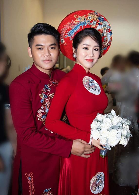 Le Quyen va loat my nhan Viet hanh phuc ben trai kem tuoi-Hinh-7